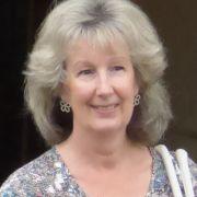Lynne28